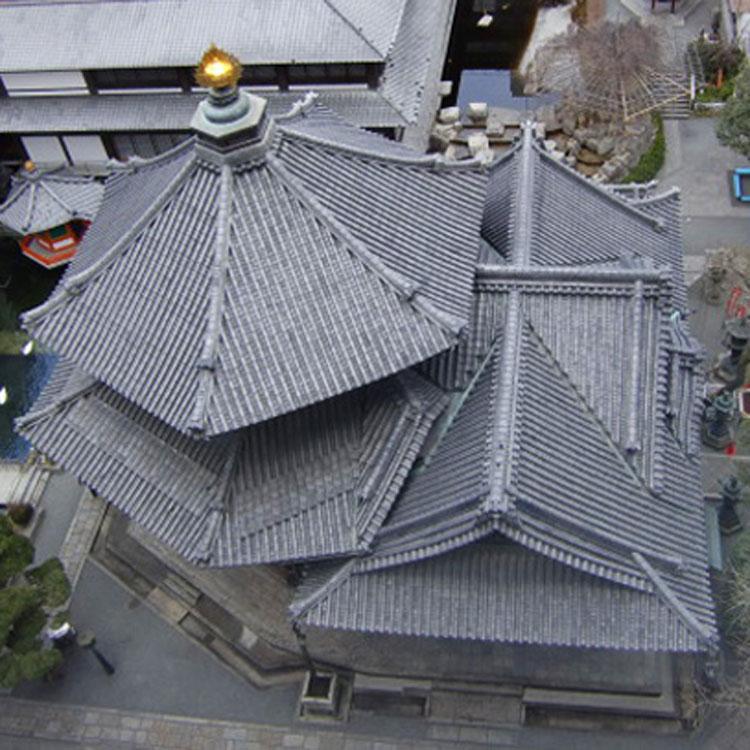 京都観光 京都のビジネス街に建つ「六角堂」